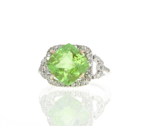 Green Tourmaline and Diamond White Gold Ring