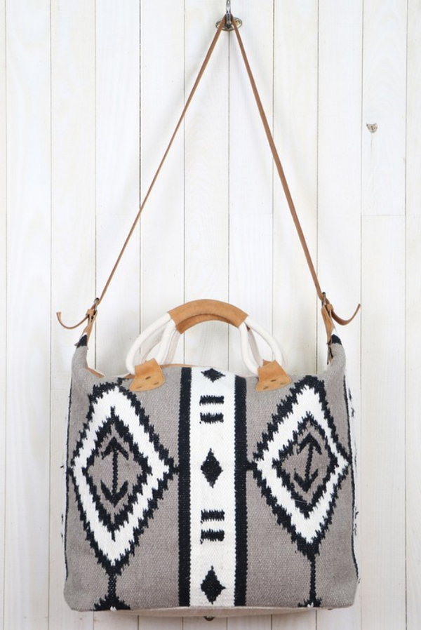 (LOVESTITCH) tribal cotton_wool tapestry