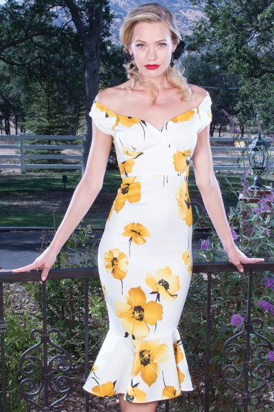 Beautiful Marleen Dress in Yellow Rose Print