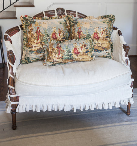 products/toile_pillow_multicolor-1.jpg