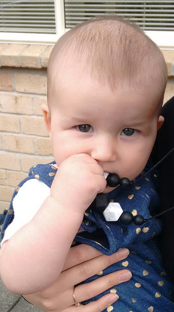 Silicone teething baby necklace review