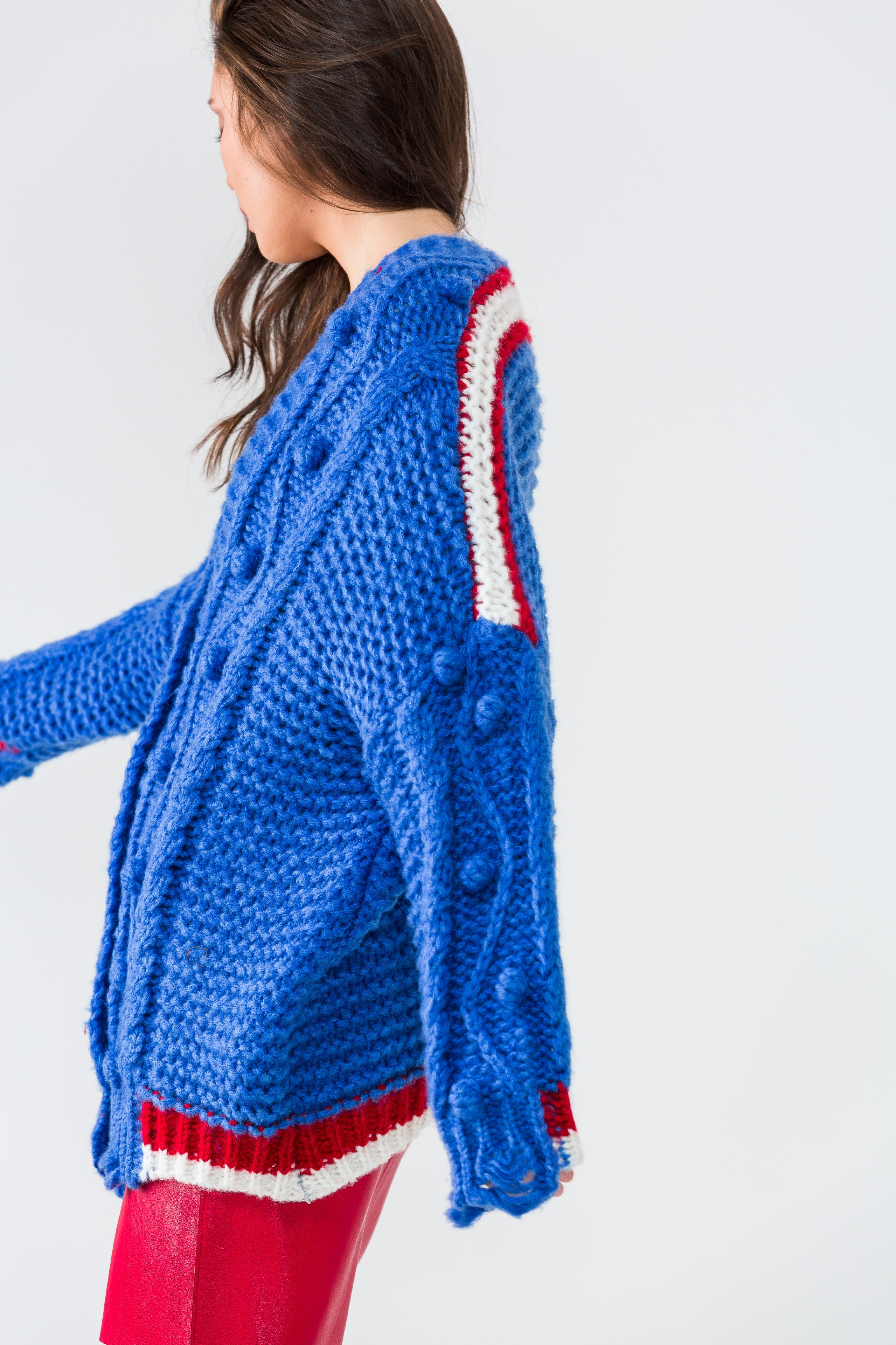 BLUE CABLE KNIT TOP