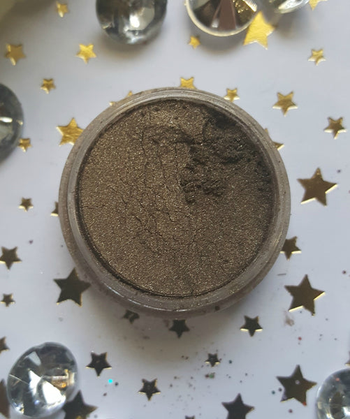 shade beauty, eyeshadow, vegan makeup, cruelty free makeup, swatches, shimmery eyeshadow, sparkly eyeshadow, metallic eyeshadow, neutral eyeshadow, nude eyeshadow, indie makeup, artisan makeup, military, military loose eyeshadow, brown eyeshadow, green eyeshadow, duochrome eyeshadow
