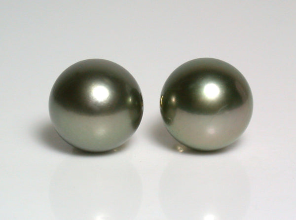 10mm pistachio Tahitian pearl & 18 carat gold earrings