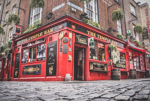 Should you eat at the Temple Bar in Dublin?