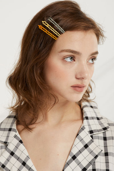 Wavy Bobby Pin Set by STORETS