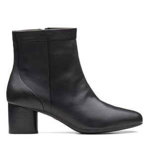 Women's Clarks Un Cosmo Up/ Black boots