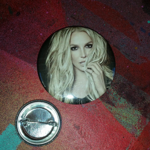 Britney pin back button