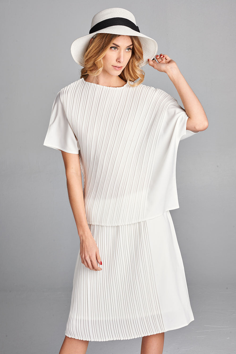 Pleated  White Snow  Top  5750