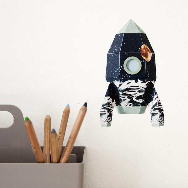 Sticker decorativ camera copiilor Rocket Moonscape