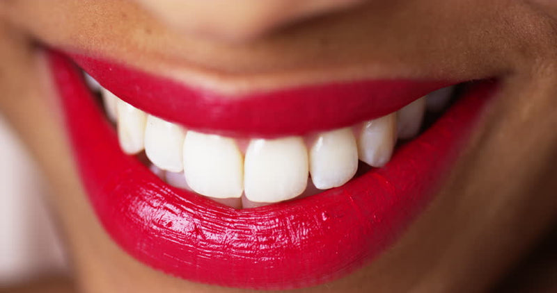 5 Tips for On-The-Go Teeth Whitening