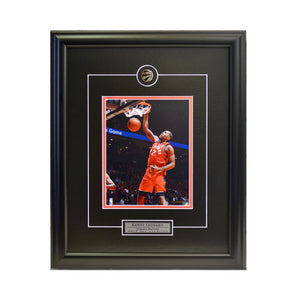"Kawhi Leonard ""Action"" Framed Photo (16.5 by 19.5 Frame)"