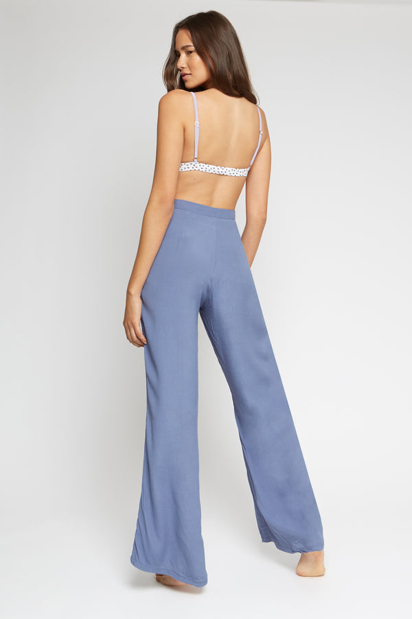 High-waisted trousers | Cool grey