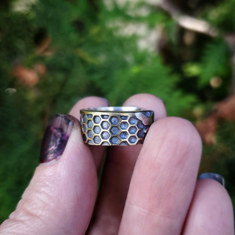 Honeycomb Bee Ring Band Size 5