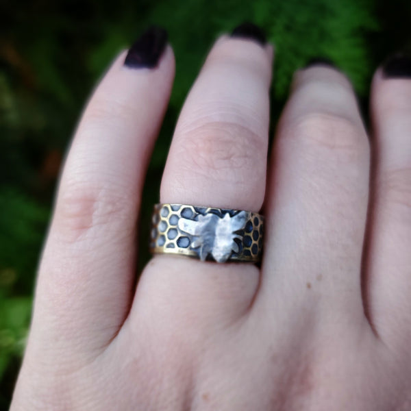 Honeycomb Bee Ring Band Size 7