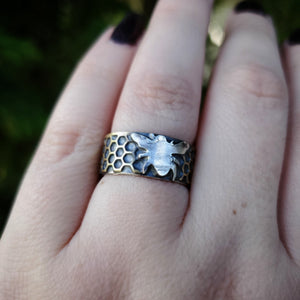 Honeycomb Bee Ring Band Size 7.5