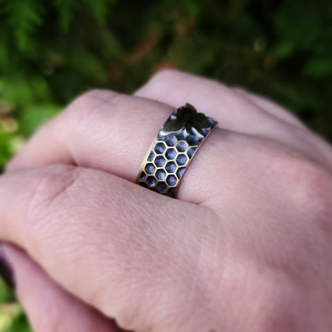 Honeycomb Bee Ring Band Size 10.75