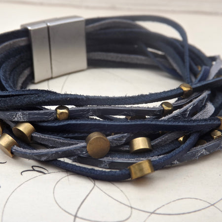 THE JAMIE LEATHER AND BRASS MAGNETIC BRACELET