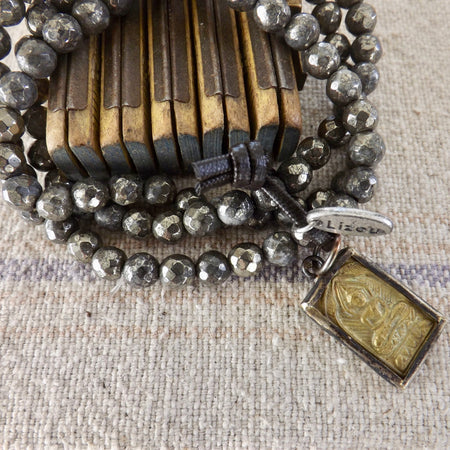 THE MIA PYRITE BUDDHA STACKABLE STRETCH BRACELET WITH BHUDDA CHARM