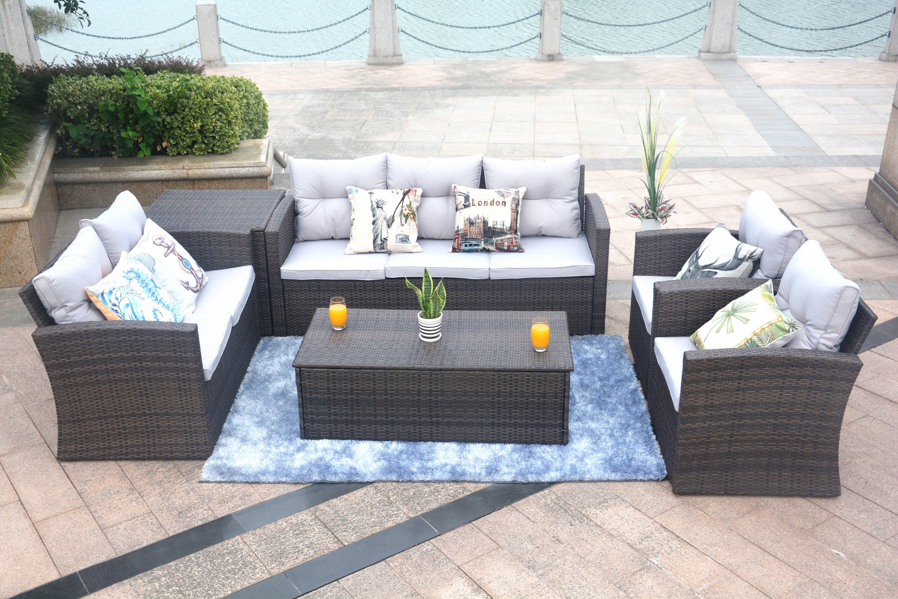 Edmond Outdoor Patio Set in Brown