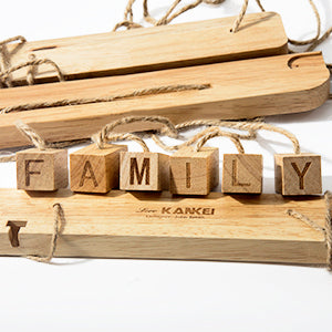 "Love-KANKEI ""Family"" Letter Picture Frame 30 Pegs"