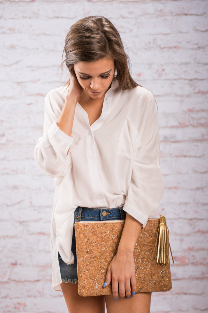 Mud Pie: Carlton Cork Clutch, Gold