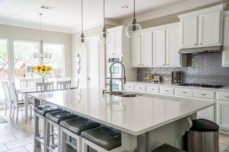 Refacing or Replacing – The Best Options for Your Kitchen Cabinets
