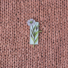Load image into Gallery viewer, Linen Plant Enamel Pin