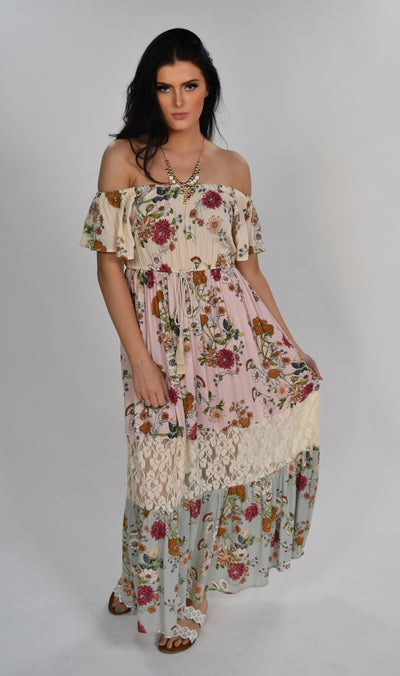 "LD-D {Feel The Romance} ""UMGEE"" Floral Maxi Dress with Lace Detail"