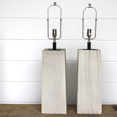 SQUARE BLEACHED WOOD LAMP