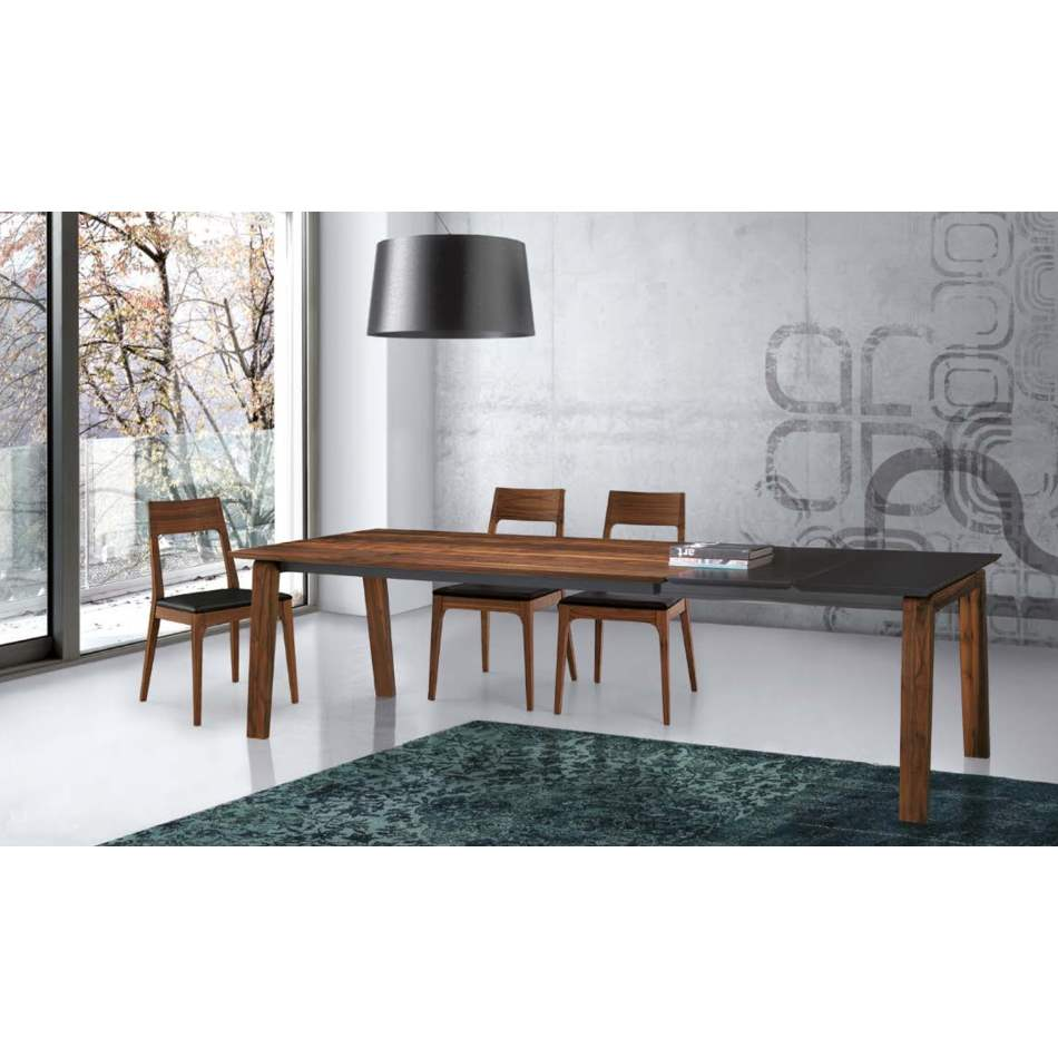 Estro Dining Table