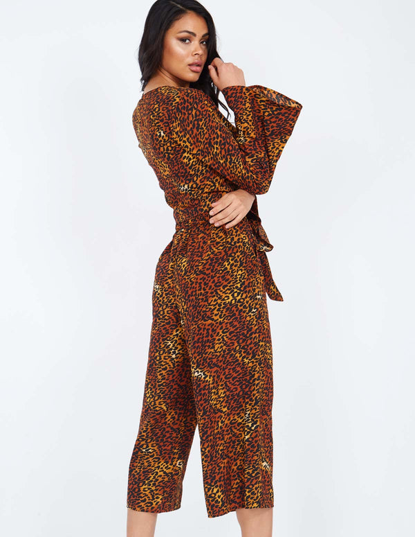 HUMA - Tie Front Crop Brown Culotte
