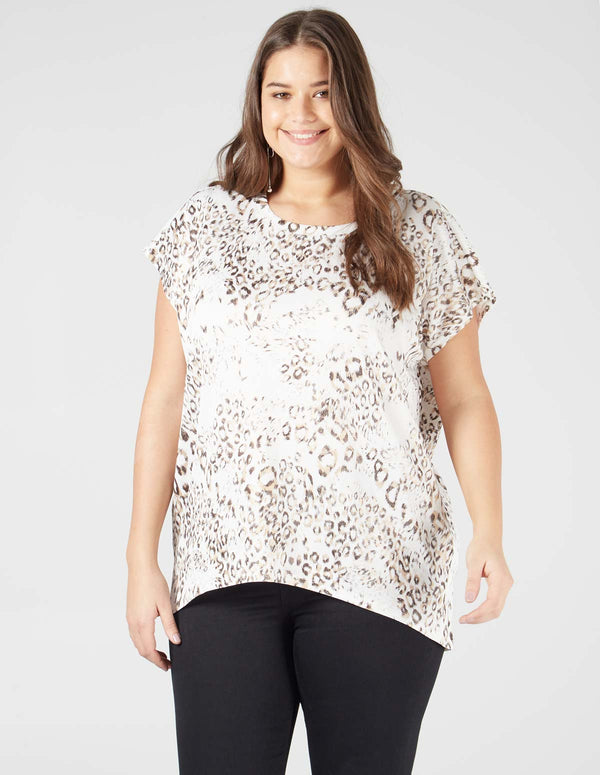 INDIARA- Animal Print Short Sleeve White Top
