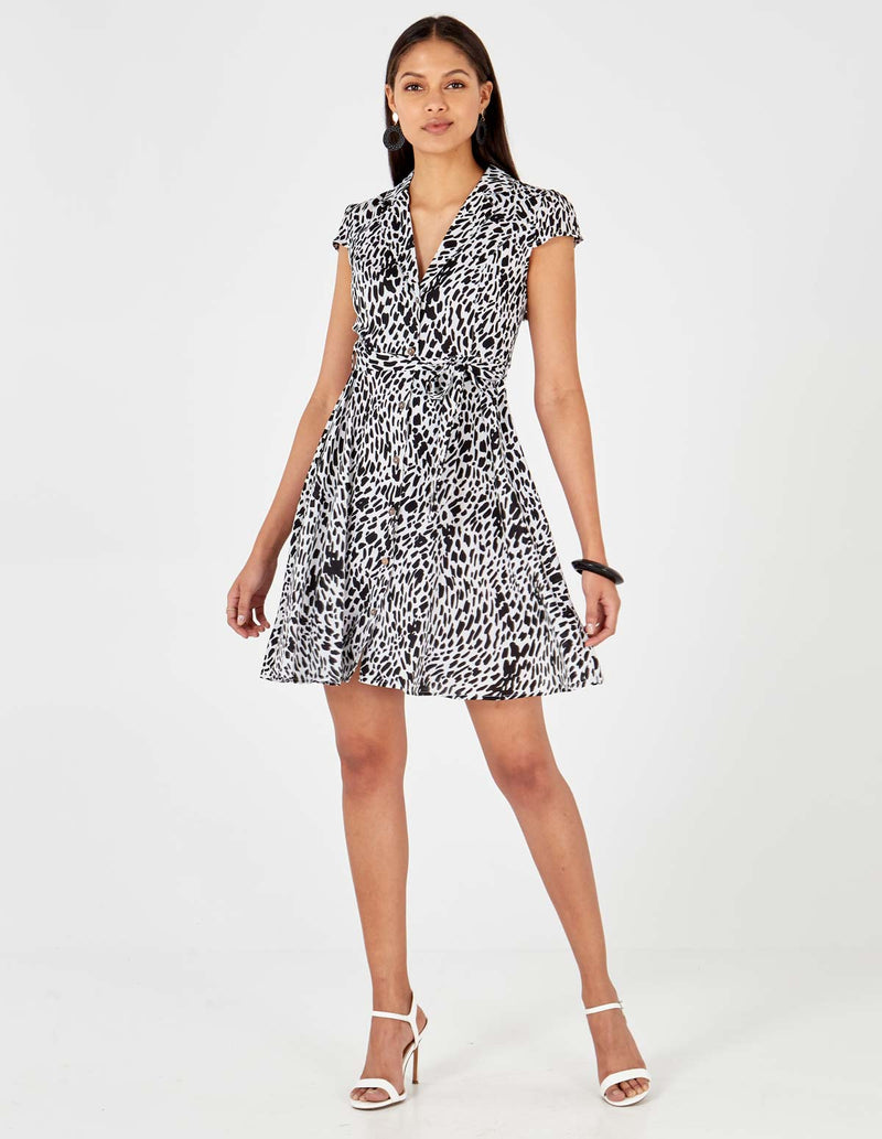 ANGELINA - Black/White Button Front Collar Dress