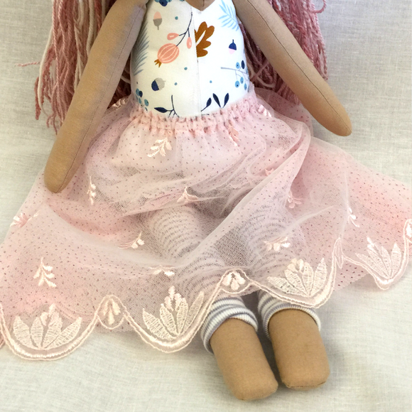 Long Skirt Unicorn - Pink'n'Lacy