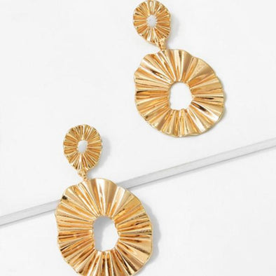 Geometric Wave Shape Big Eardrop Earrings in Gold Alloy