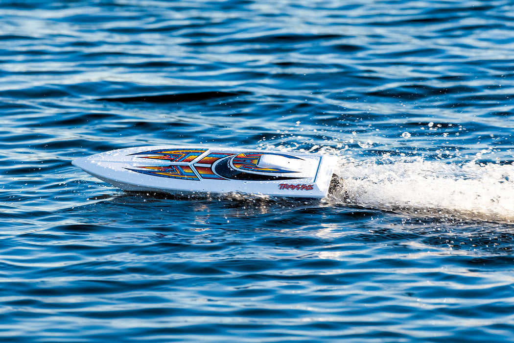 Traxxas Blast: High Performance Race Boat. Ready-To-Race with TQ 2.4GHz radio system. GREEN