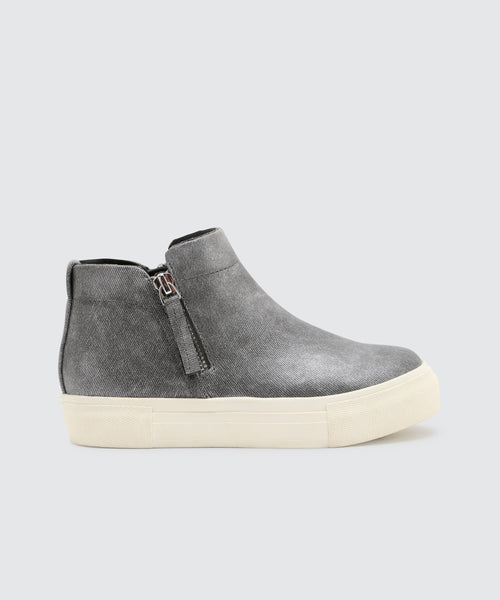 CAB SNEAKERS IN GUNMETAL -   Dolce Vita