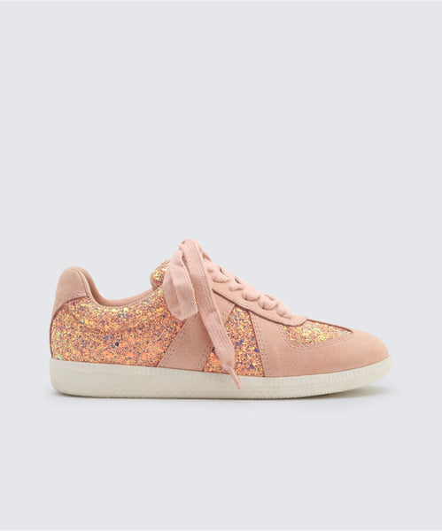 MOSIE SNEAKERS IN BLUSH -   Dolce Vita