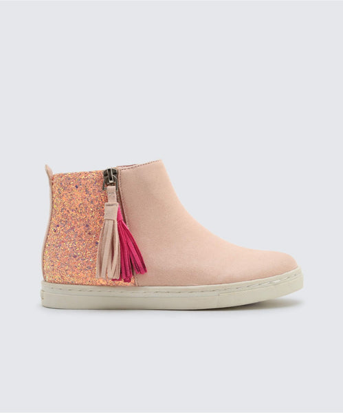 ZALIX SNEAKERS IN BLUSH -   Dolce Vita