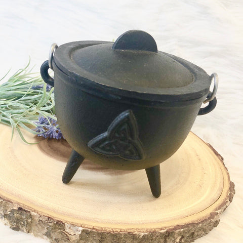 Triquetra Cauldron, Trinity Knot, Witchy Cauldron