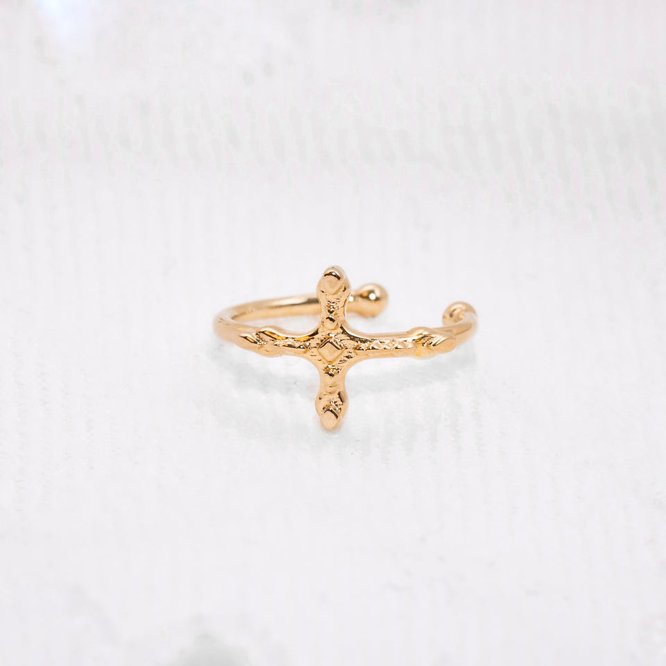 Belief Cross Ear Cuff
