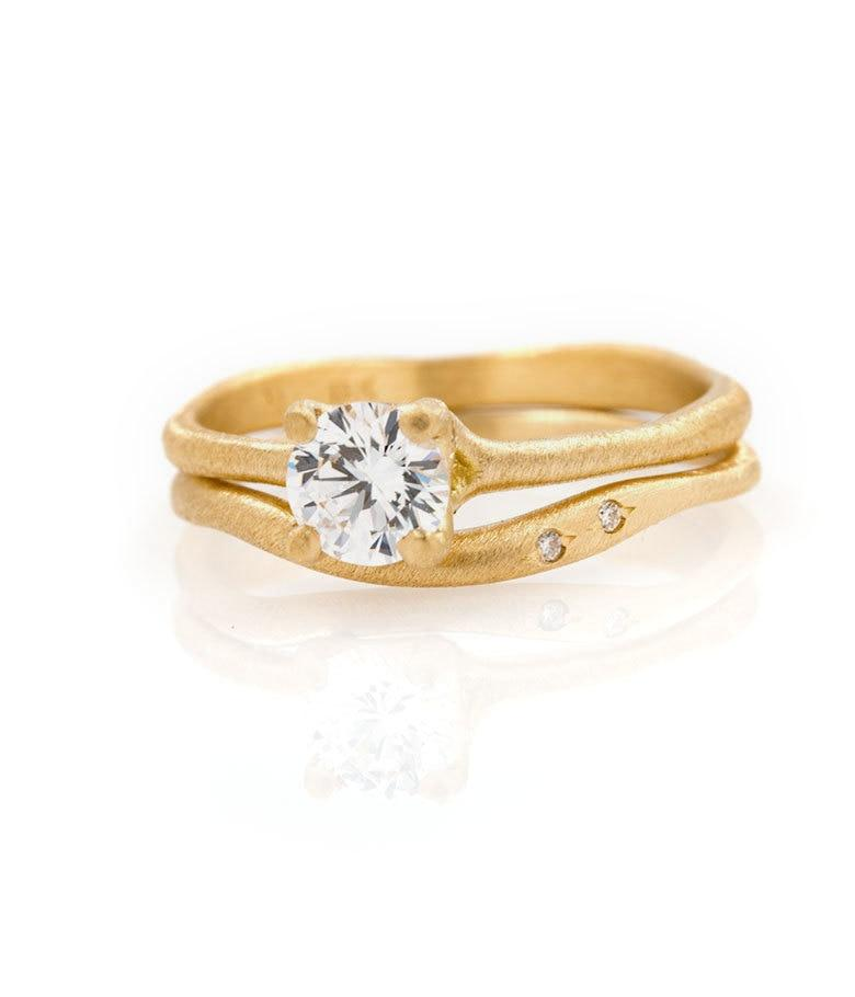 18k Prong Set Solitaire Wisp Set