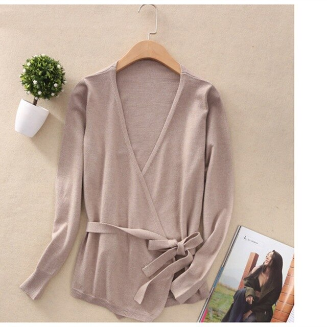 Spring Thin Wool Cardigan Short Section Knitted Cardigan Women Outside V-Collar Long Sleeves Sweater Slim Jackets img 1