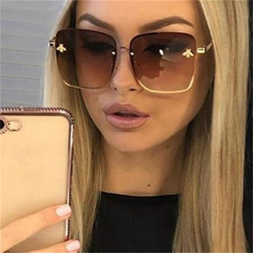 Oversized Celebrity-Looking Square Sunglasses - SleekSass