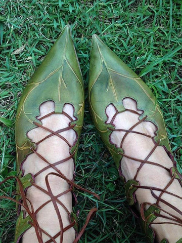 Leaves Pattern Bandage Pointed Shoes