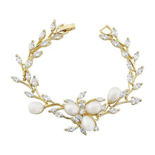 Load image into Gallery viewer, Chic Pearl Bridal Bracelet In Gold