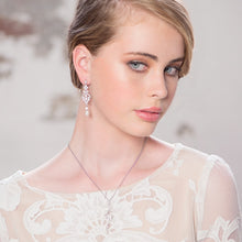 Load image into Gallery viewer, Enchanting Vintage Inspired Pearl Silver Wedding Necklace