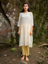 Load image into Gallery viewer, Handwoven cotton tunic with dolman sleeves