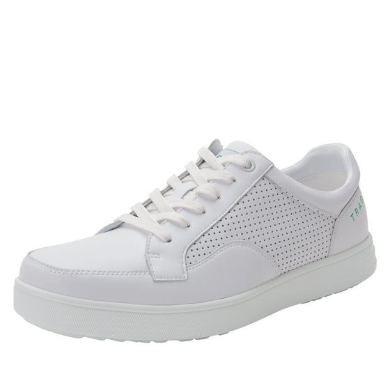 Baseq White smart shoes with Q-chip technology. BAS-M7100_S1